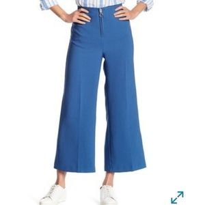 NWT Romeo + Juliet Couture High Rise Crop Pants